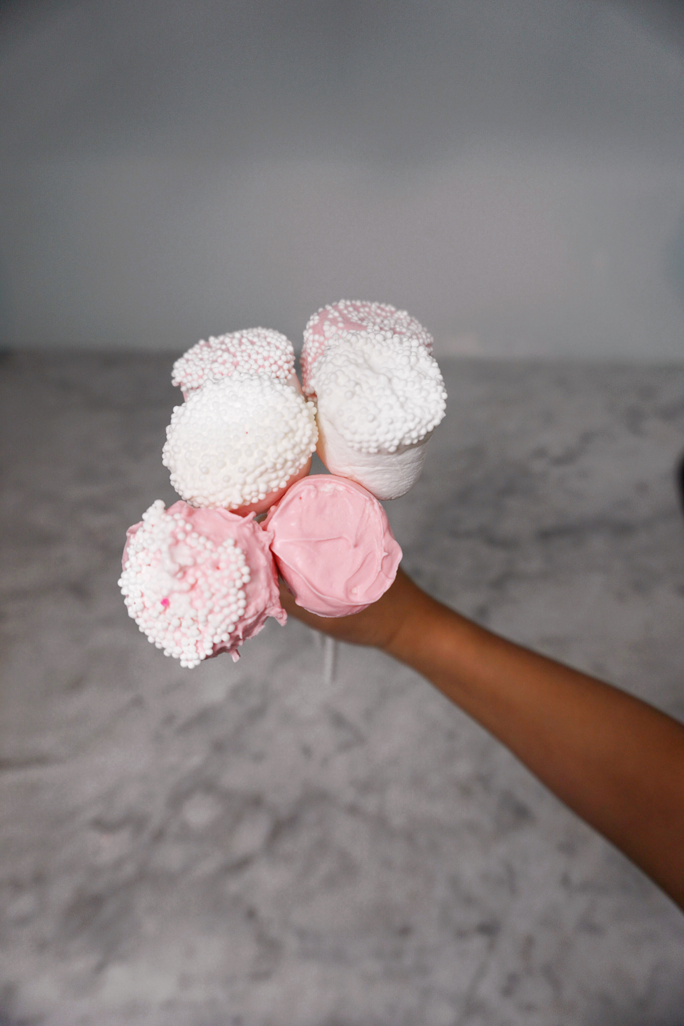 DIY Valentine's day pops